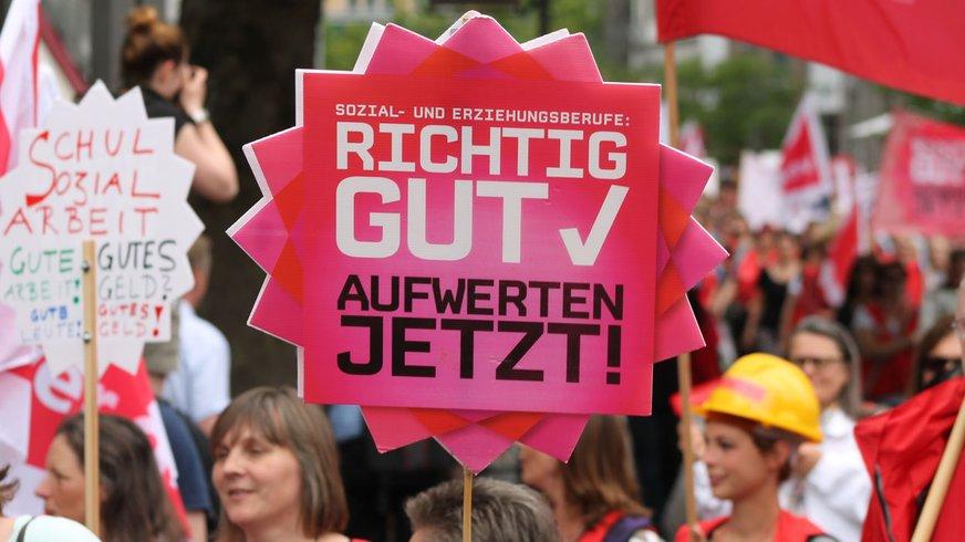Aufwerten jetzt! Wir bleiben dran! Kundgebung am 13.06.2015 in Hannover