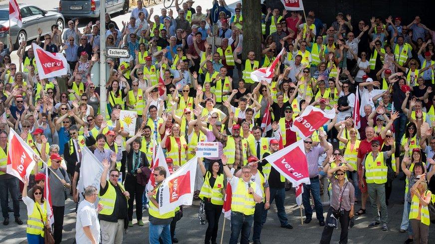 Demonstration der Versicherungsbeschäftigten am 19.06.2017 in Hannover