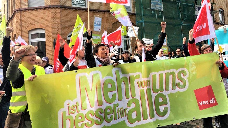 Warnstreik für Entlastung in Frankfurt Höchst