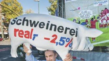 Tarifflucht heißt auch:weniger Geld. Protest vor der Metrozentrale in Düsseldorf