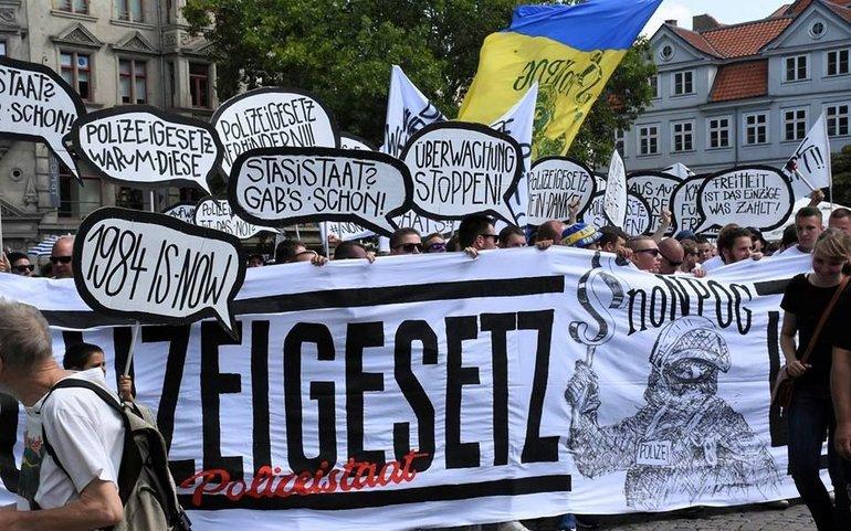 Demo gegen NPOG in Braunschweig - August 2018