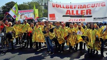 Gold wert: Pflegekräfte demonstrieren in Hannover für Aufwertung und Entlastung