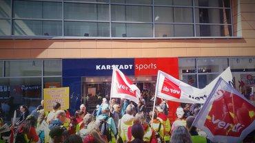 Streik bei Karstadt Sports 17.04.2019
