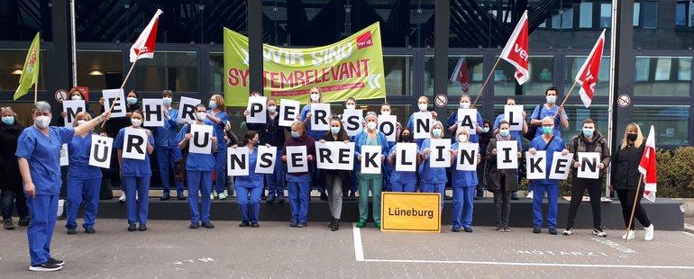 Aktion Krankenhäusern zum Personalmangel - 12.04.2021 Lüneburg