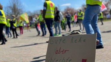 Kurbetriebsgesellschaft/Bad Zwischenahner Touristik: Reha-Beschäftigte demonstrieren für Dialog mit Gemeinderat